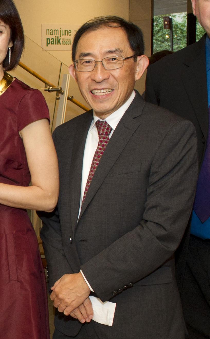 12-Ken-Hakuta-inventor-of-the-Wacky-Wall-Walker.jpg
