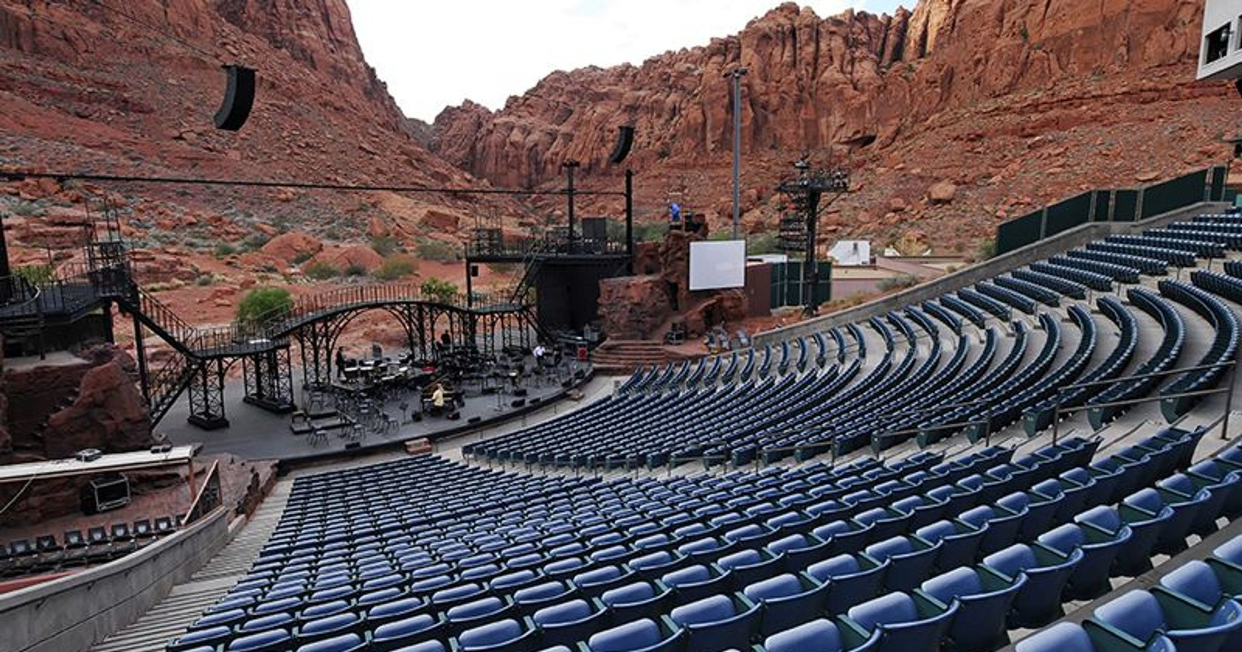 Performing Arts - St. George has become renowned for it's world class performing arts experiences, ranging from Broadway in the Desert, symphonies, playhouses and more.Learn More