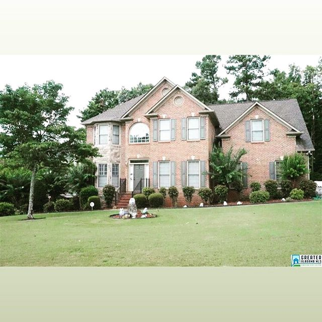 NEW LISTING🎉  301 CLAIRMONT Rd!!! Beautiful 2 story, 4 🛏 3 🛁Home in the Forest Parks subdivision. 3,065 sq/ft listed at $344,900. Zoned for the Chelsea School System.