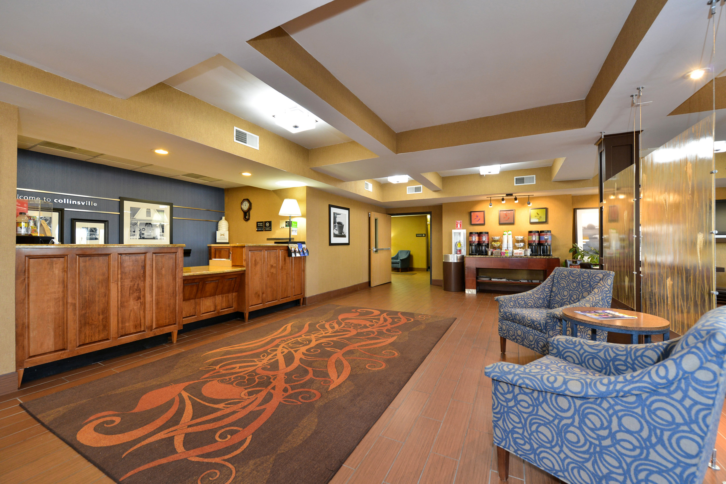 Hampton Inn Lobby Design
