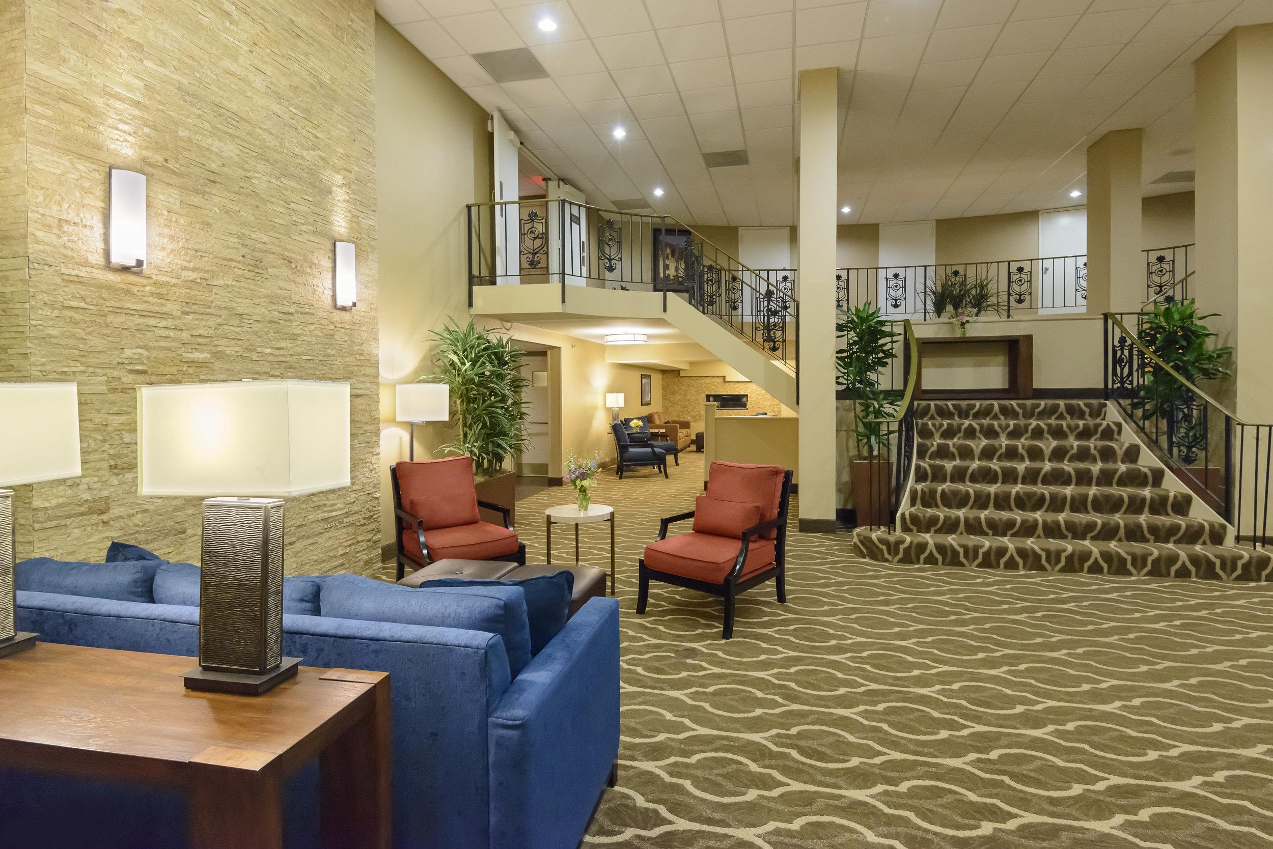 Comfort inn lobby 2.jpg