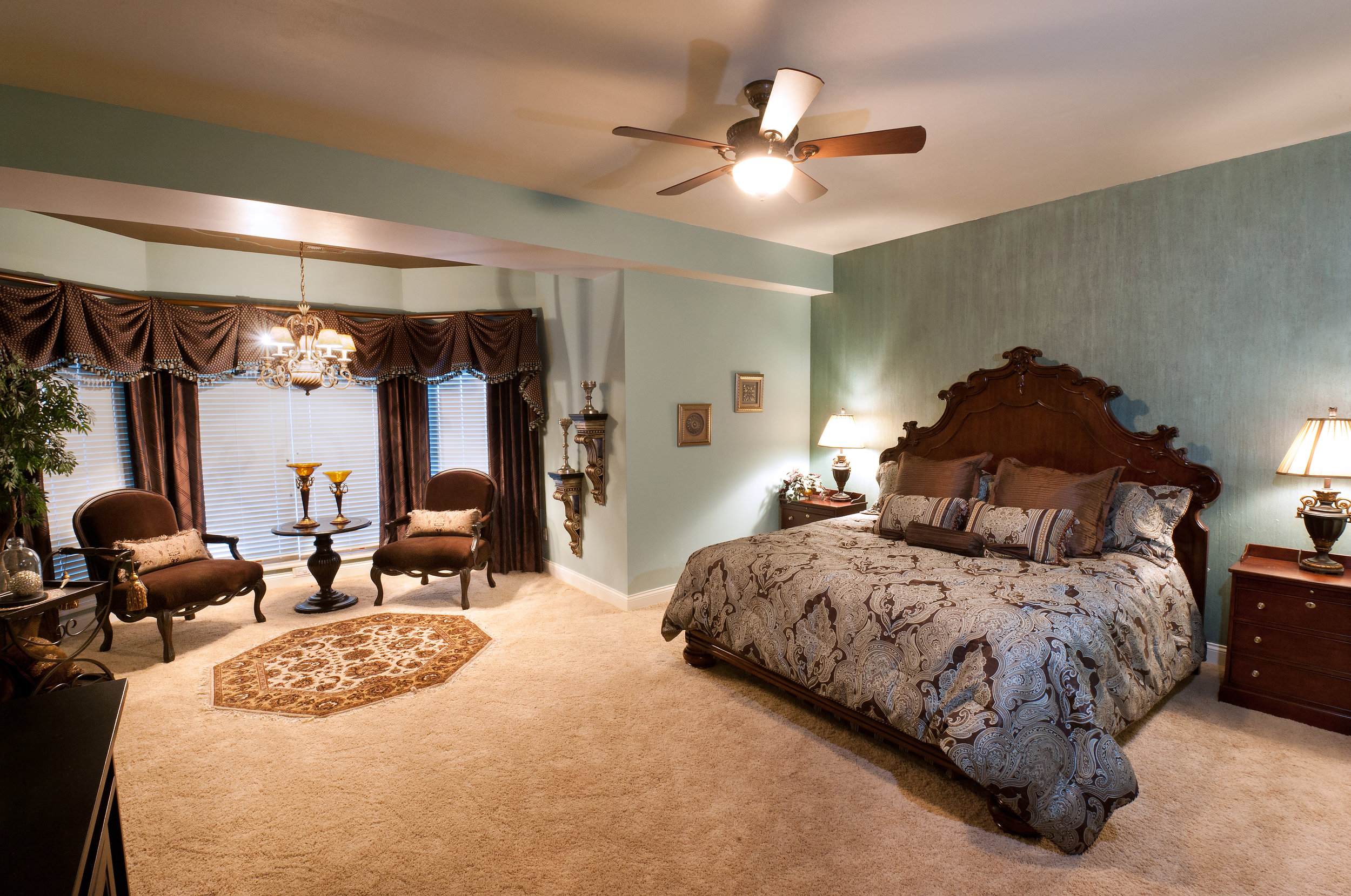 Traditional Guest Bedroom Suite