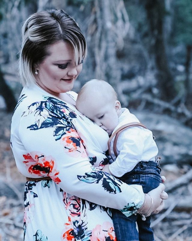 Happy #WorldBreastfeedingWeek 💖  Did you know... 1️⃣ #Breastmilk is packed with #Immunity ?  2️⃣ The nutrition composition is always changing?  3️⃣ Breastmilk is a potent cocktail of hormones?  4️⃣ The microbial content varies from day to day?  5️⃣ Flavors fluctuate and influence your babies palate?  These are just a few of the great benefits of breastmilk! Nurse on mamas 💪🏼 ❤️