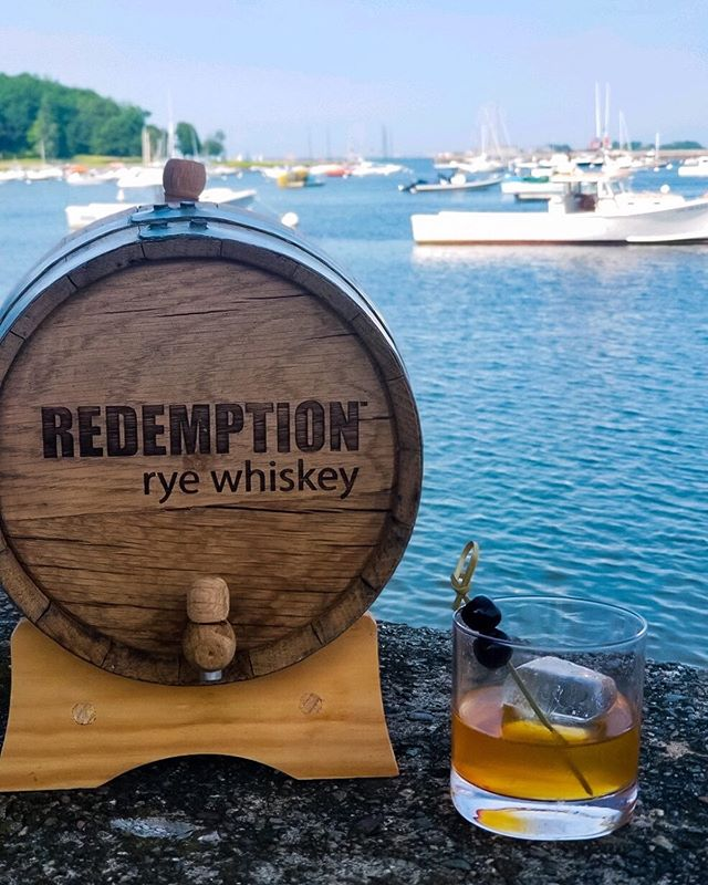 Start the weekend a few days early with our NEW #cocktail — the Barrel Aged Old Fashioned on the Rocks!  @RedemptionWhiskey with orange, vanilla, kola nut, fennel, and a drop of black cherry. Now at the bar!  #oldfashioned #cocktailmenu #whisky #whiskey #barrelaged #atlantica #atthebar #onthemenu #bottomsup #cheers #newmenuitem #debut #cohasset #southshore #restaurant