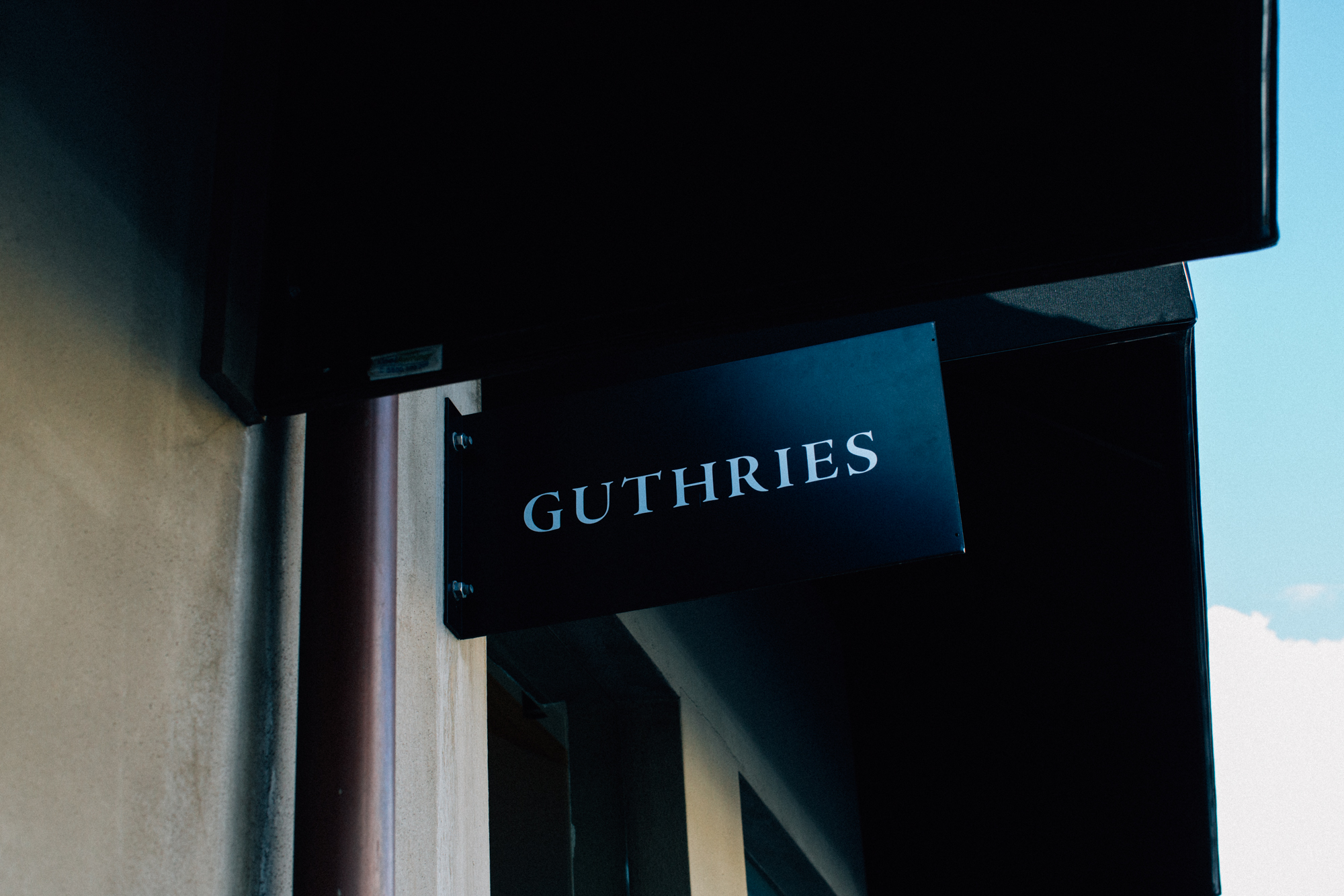 Verso Guthrie's2.jpg