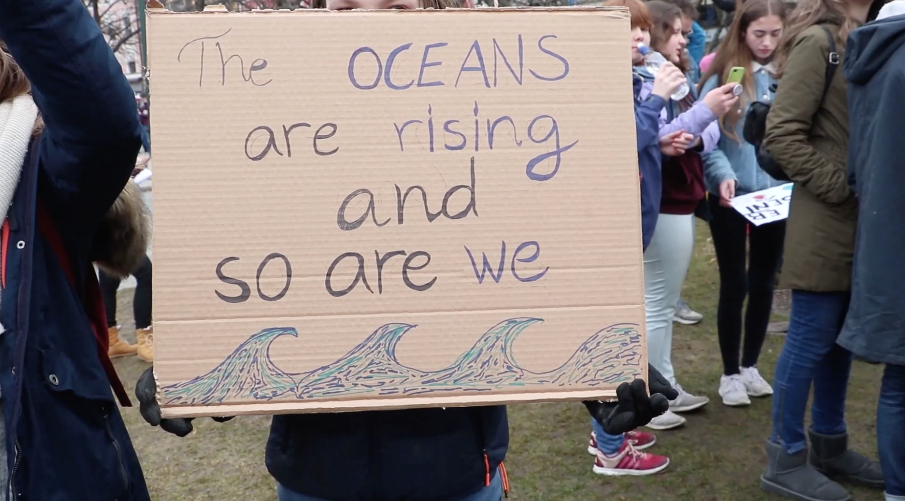 Skolestreik for klimaet - 40 000 norske skoleelever streiket for klimaet 22. mars. I Oslo og over 70 andre steder streiket elevene for at samfunnet skal innføre tiltak mot global oppvarming.