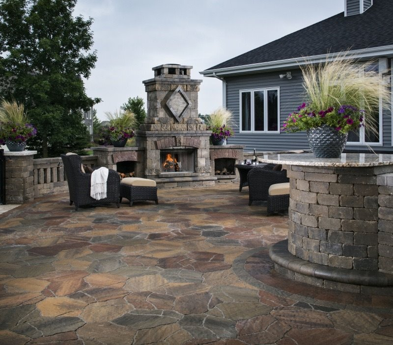 Vosters Landscaping | Fireplace | Brick | Hardscape | Outdoor Living | Patio