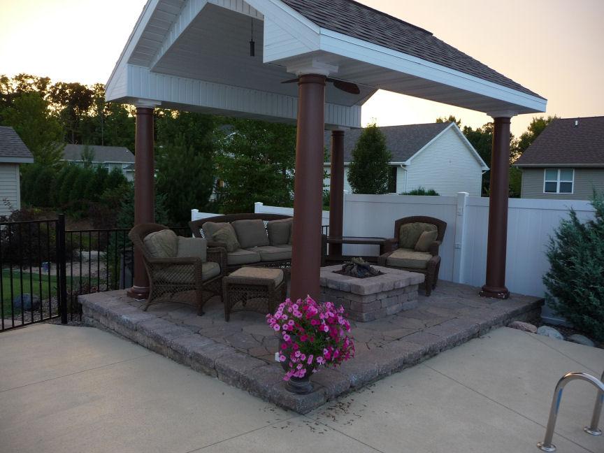 Vosters Landscaping | Firepit | Brick  | Pergola | Outdoor Living