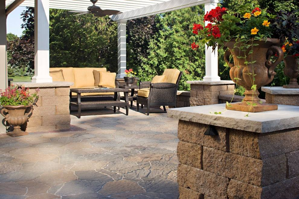 Vosters Landscaping | Outdoor Seating | Brick  | Outdoor Living