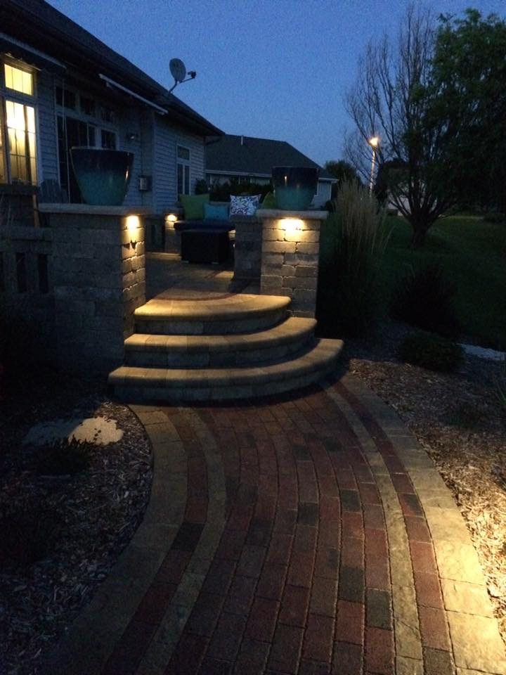 Vosters Landscaping | Landscape design | Ambiance | Outdoor Lighting | Outdoor Living | Patio | Brick