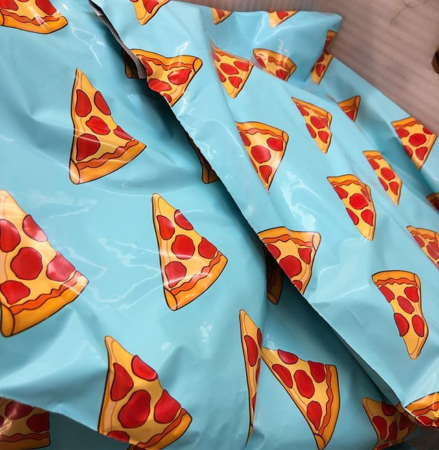 Took a page from my boi @swerv_clothing and got some better looking packaging. 🍕