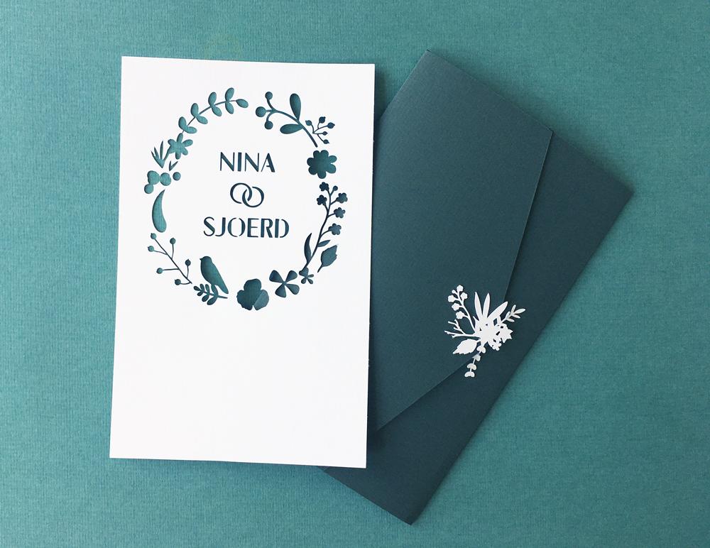 Ohpopup_Wedding_invitation_cutout_forrest_floral_envelop.jpg