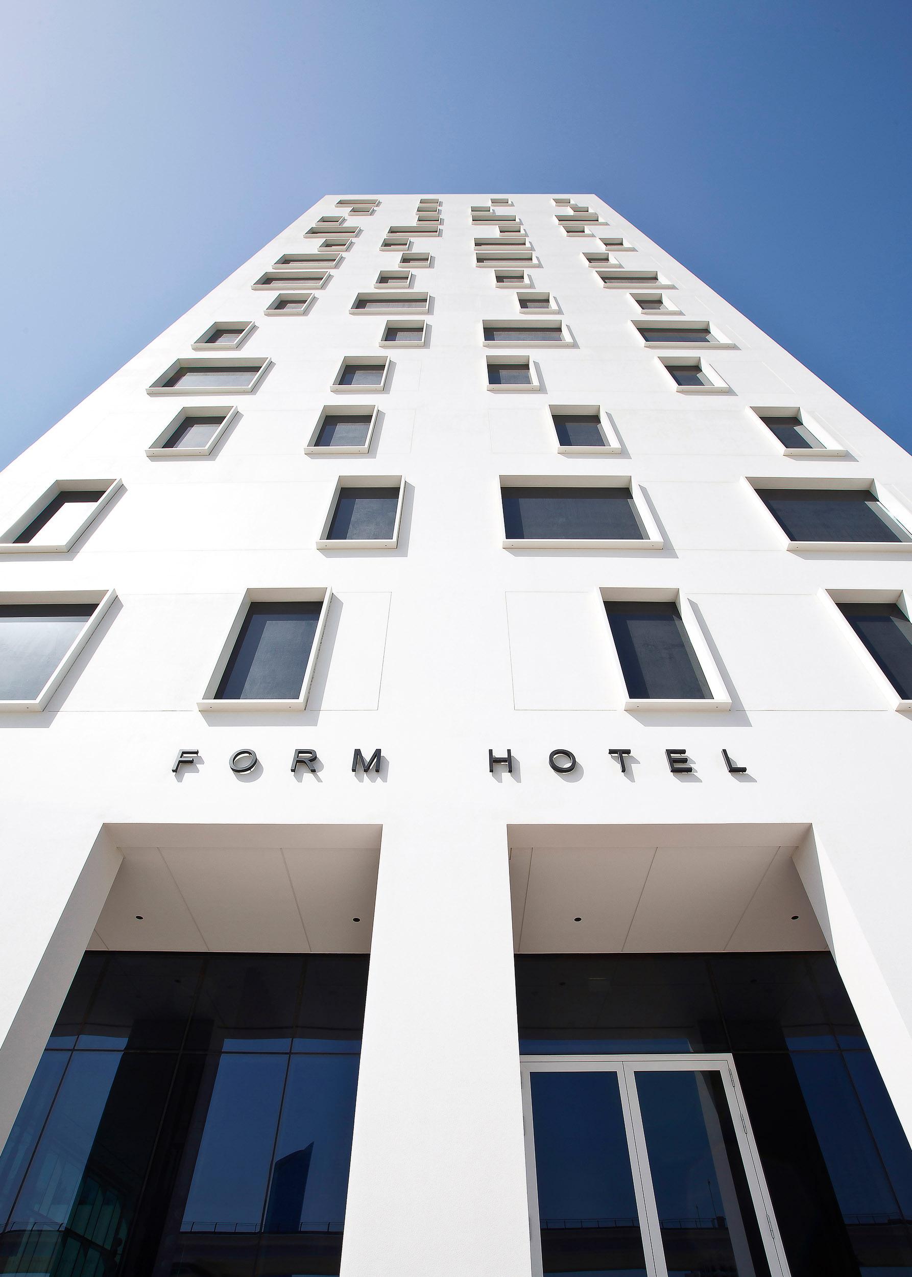 FORM Hotel Dubai - Facade (front).JPG