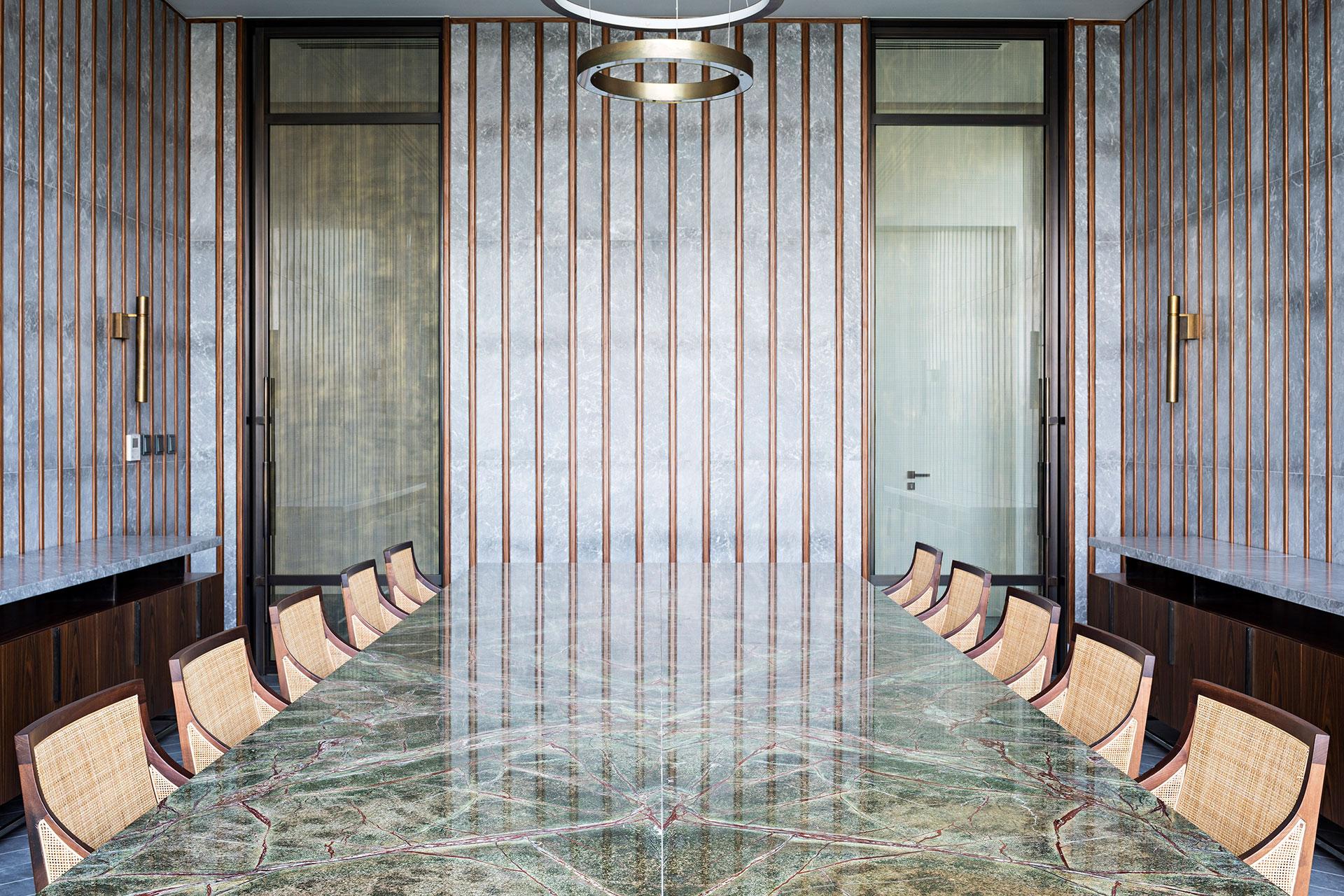 DUB5-AMAR-SABEH-Architecture-Studio-Palm-villa-Dubai-2018-©Yann-Deret-8368.jpg