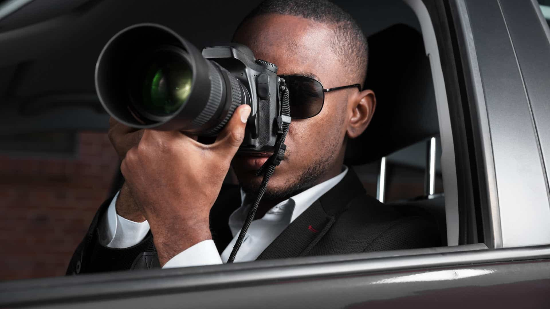 nyc-private-investigator-taking-photos.jpg