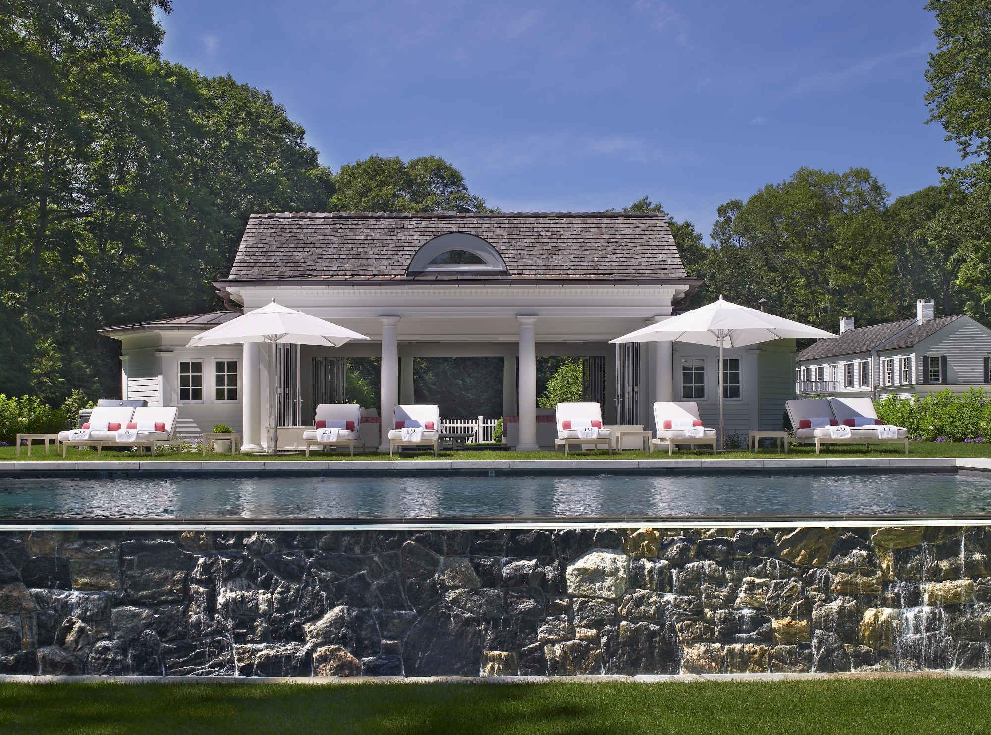 Poolhouse_photo_2.jpg