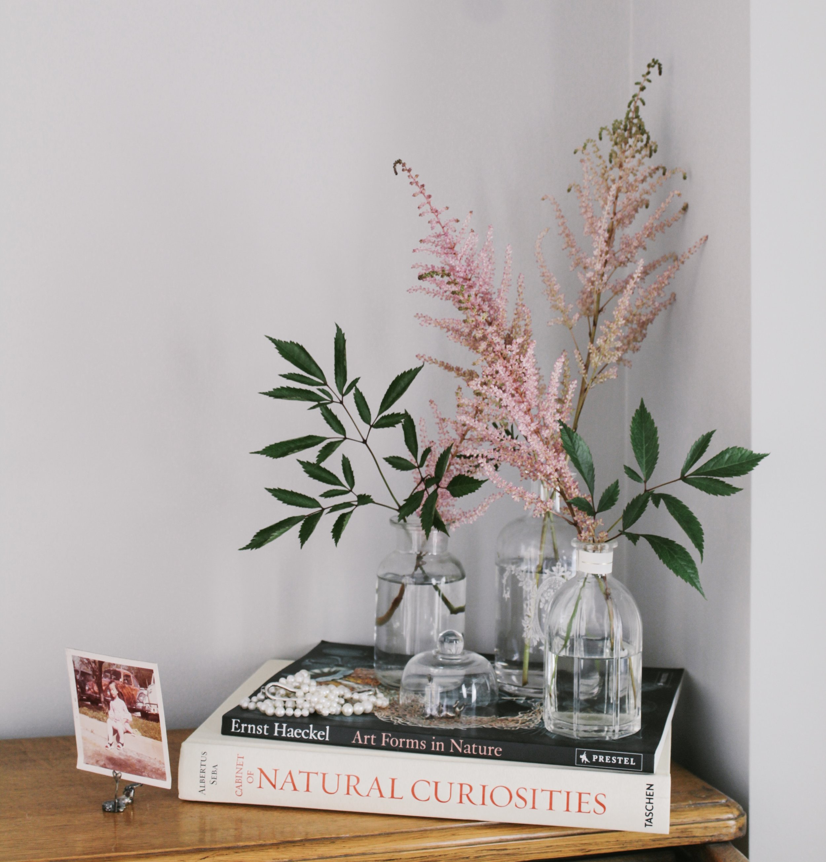 Militza-Ortiz-vintage-books-flowers.JPG