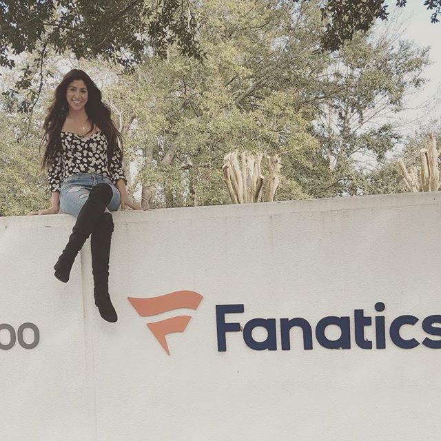 Beautiful day in sunny Florida meeting with the amazing Fanatics team.  Can't wait to show fans the 2019 collections ....stay tuned!  Security didn't catch me doing this thank goodness 😝☀️ . . . . . #cuceshoes #fabgating #fanatics #nfl #nhl #jacksonville #picoftheday #instafashion #veganfashion