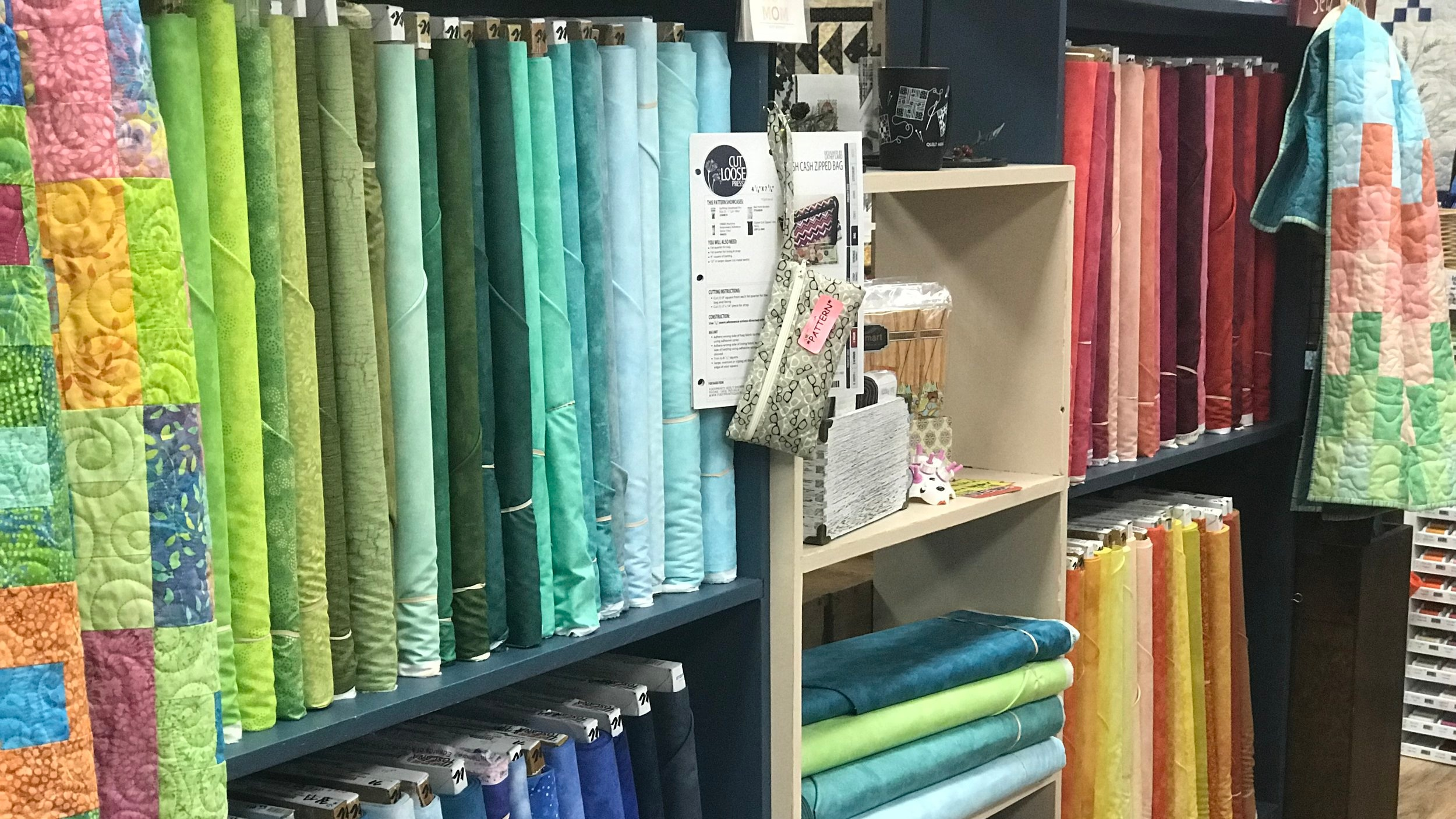 Seamless Spaces - shop or learn: our SPACE is for makers of all skill levels. Beginners and advanced quilters alike can grow + immerse themselves in our quilting and general sewing classes.