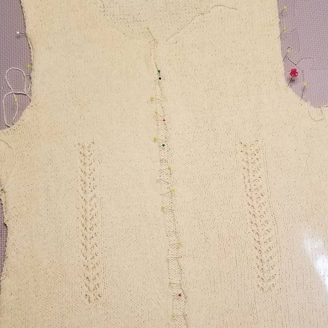 Sweater blocking this morning 😃 #knittinglove  #makersgonnamake