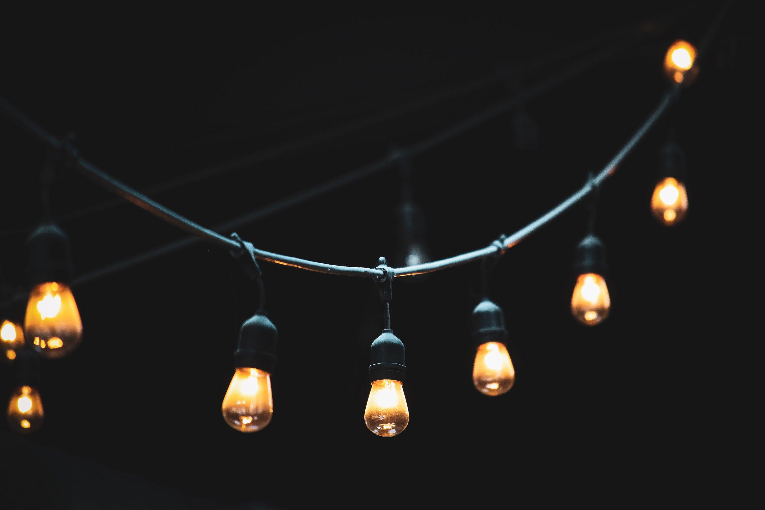 art-bright-bulbs-1146562.jpg
