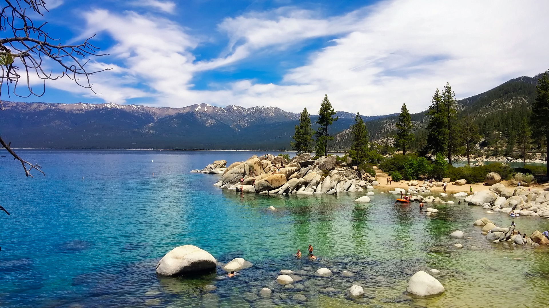 lake-tahoe-2183724_1920.jpg