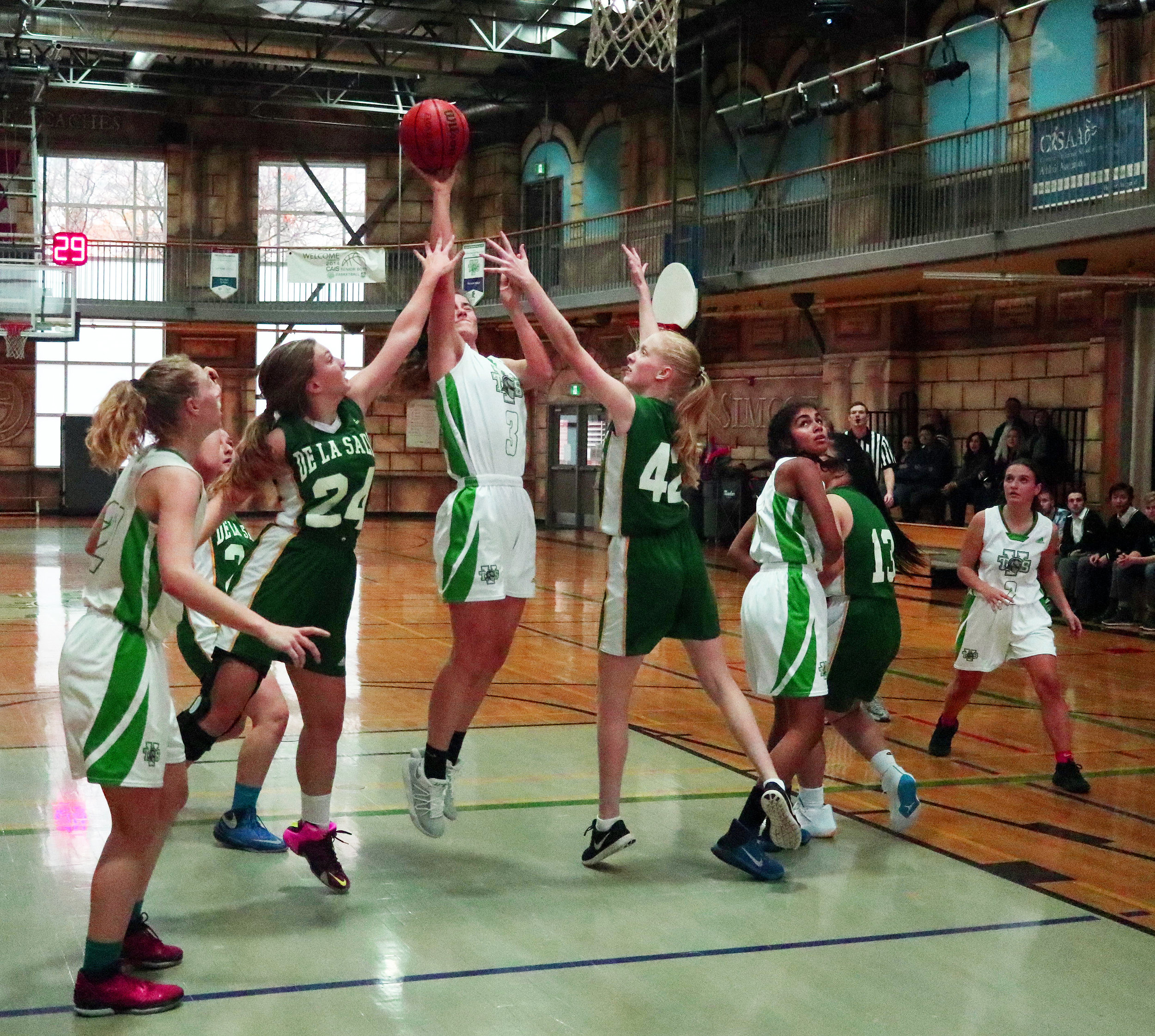 girls_basketball.jpg