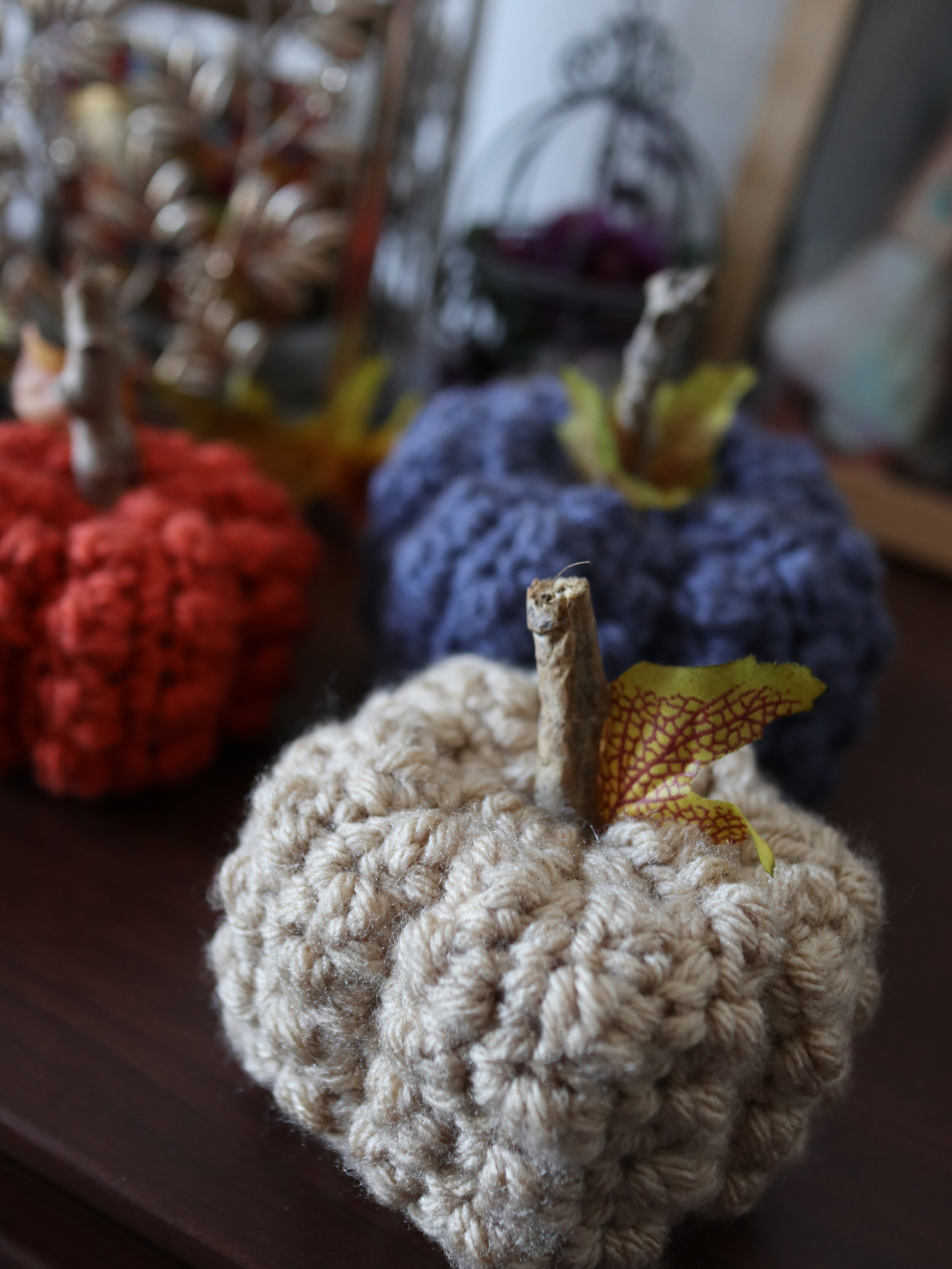 FREE PATTERN - Even Berry Pumpkins1 - Ravin Sekai Designs pin