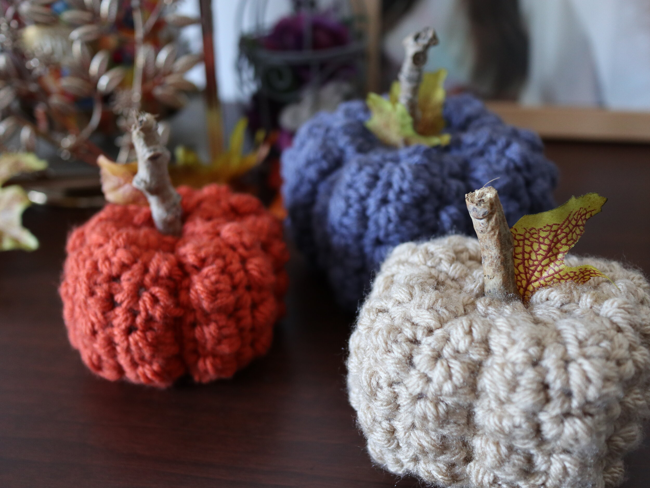 FREE PATTERN - Even Berry Pumpkins2 - Ravin Sekai Designs pin