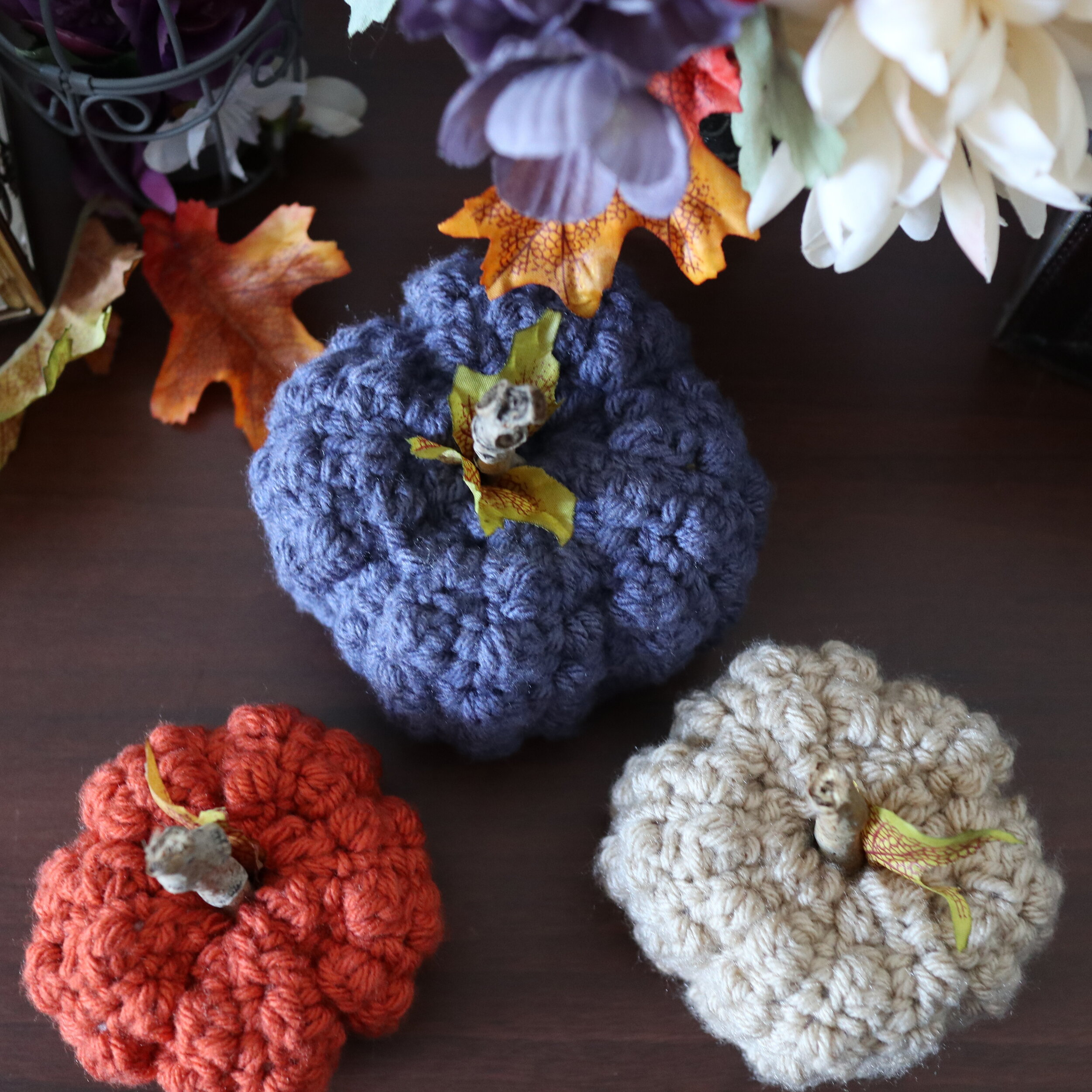 FREE PATTERN - Even Berry Pumpkins3 - Ravin Sekai Designs pin