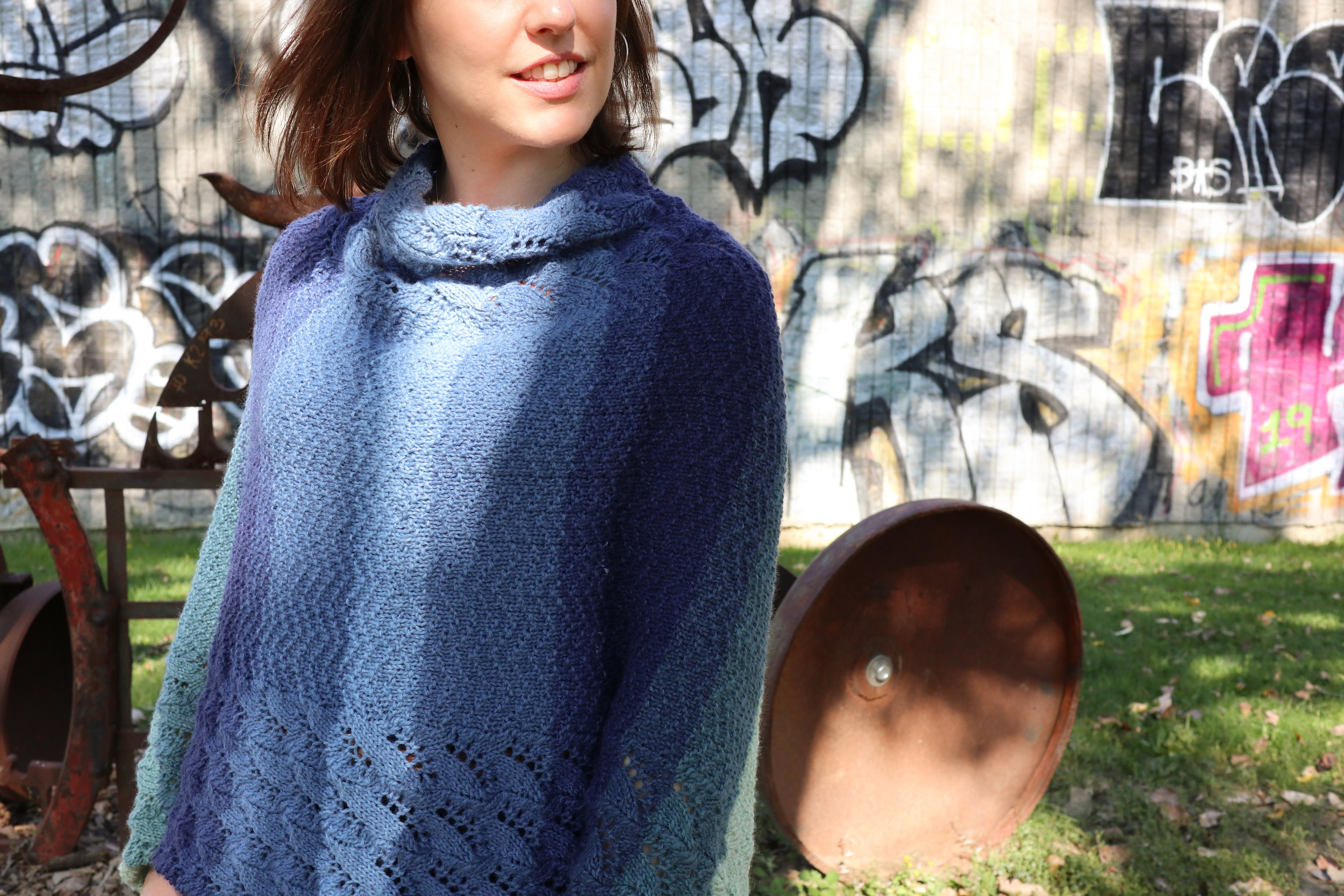 FREE PATTERN - warm waves poncho6 - Ravin Sekai Designs