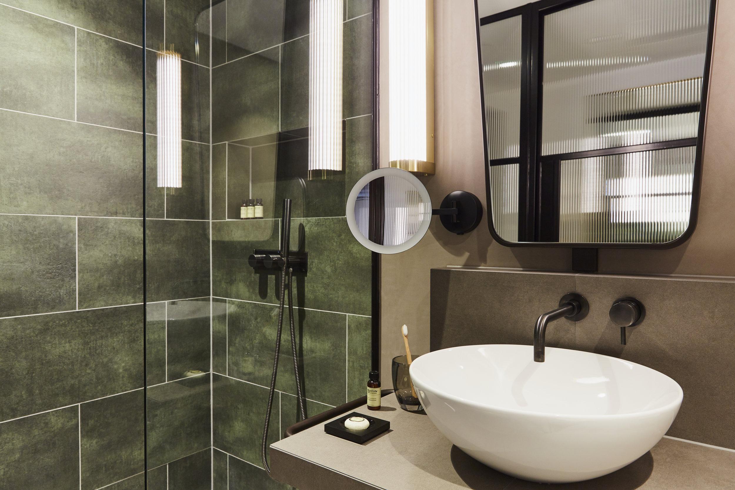 SUPERIOR ROOM LSQ VIEW BATHROOM.jpg