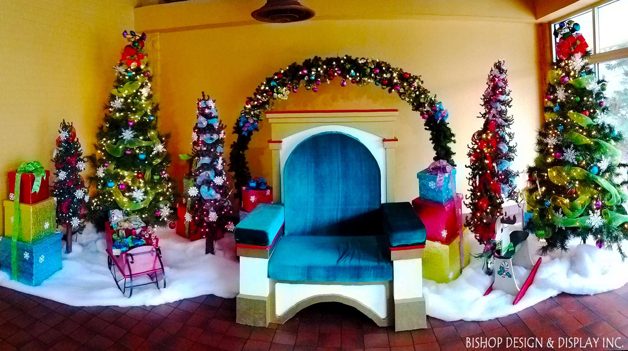 Santa Chair - Detroit Zoo