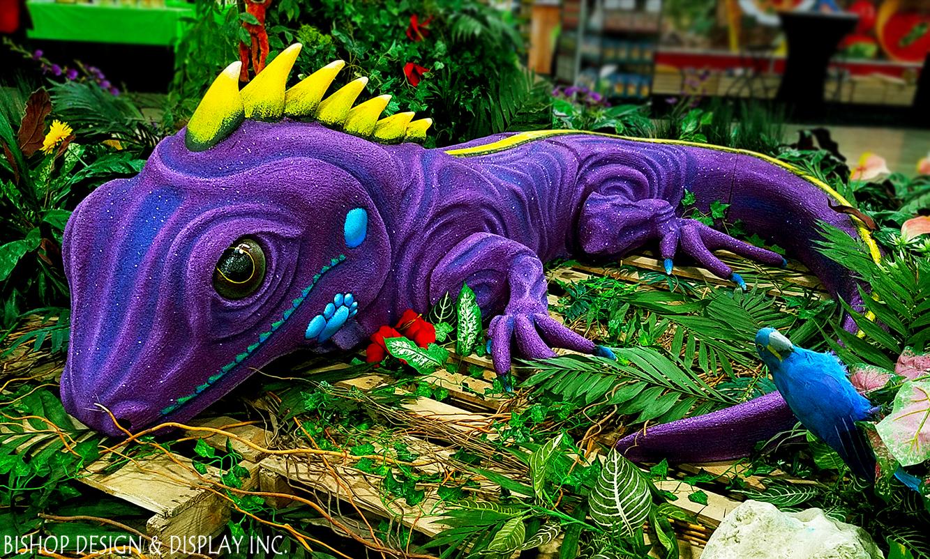 Iguana Carving