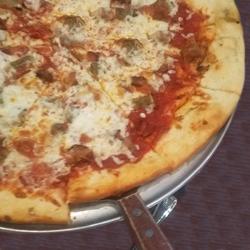 the-palms-of-destin-primed-pizza-serving.jpg
