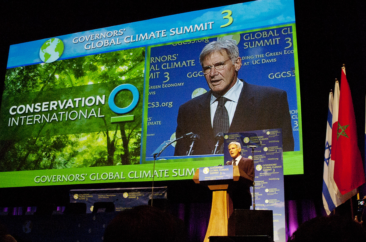 Governors' Global Climate Summits 1, 2 & 3 - 2008, 2009, Los Angeles2010, University of California, Davisclient: California Protocol Foundation and Jupiter/PX ProductionsCo-hosted by Governor Arnold Schwarzenegger and other Subnational leaders, in partnership with the United Nations Development Programme, the United Nations Environment programme, and co-hosted by UC Davis, the GGCS 3 featured compelling climate conversations from the top leaders of local, regional, national and international entities, as well as those from academia, business and nonprofit.Waking State Design created the event branding and designed the comprehensive graphic elements – logo, printed pieces, program book, website, signage and projections surrounding the event for the 3 years we worked on this project.