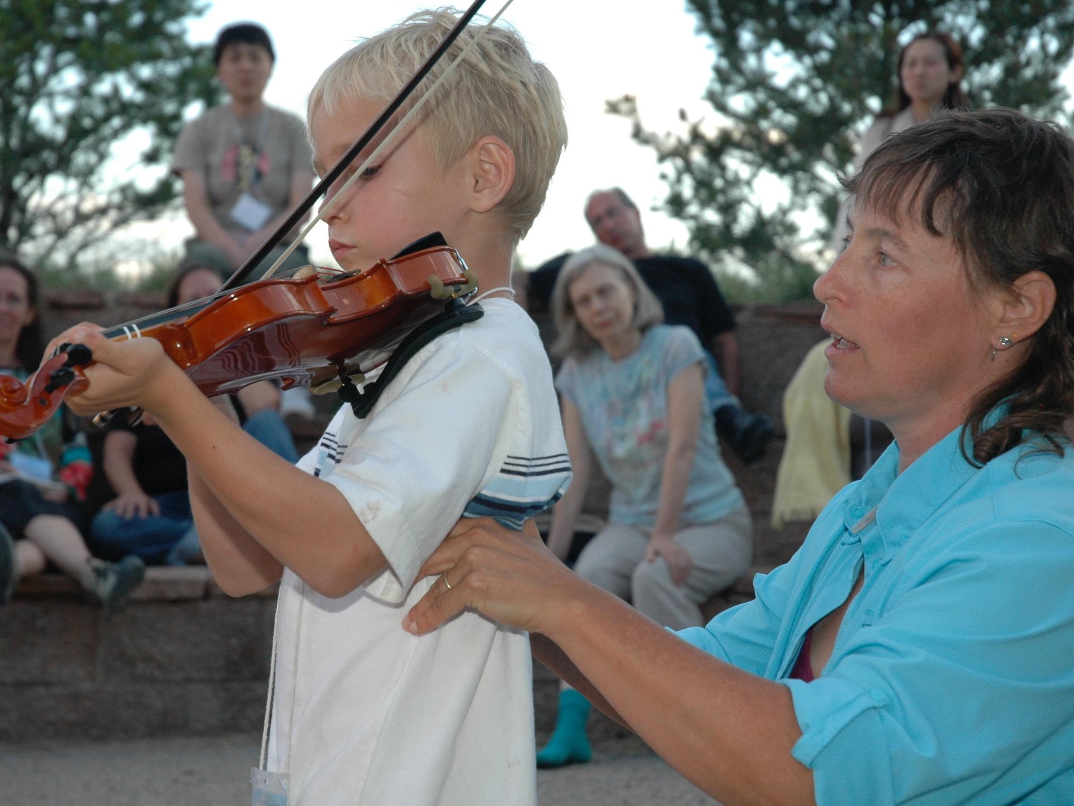robyn violin.jpg