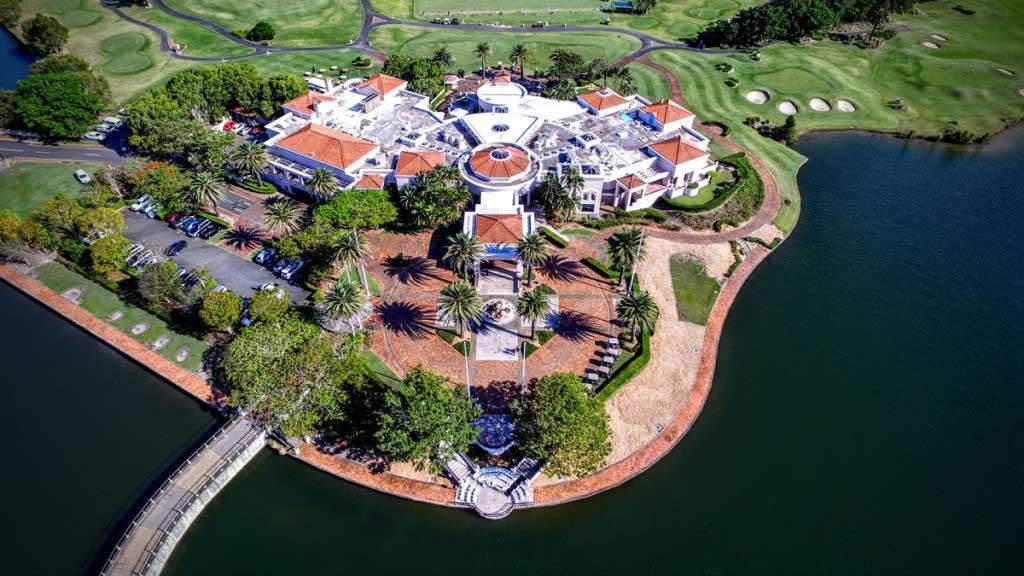 links-hope-island-drone-photo.jpg