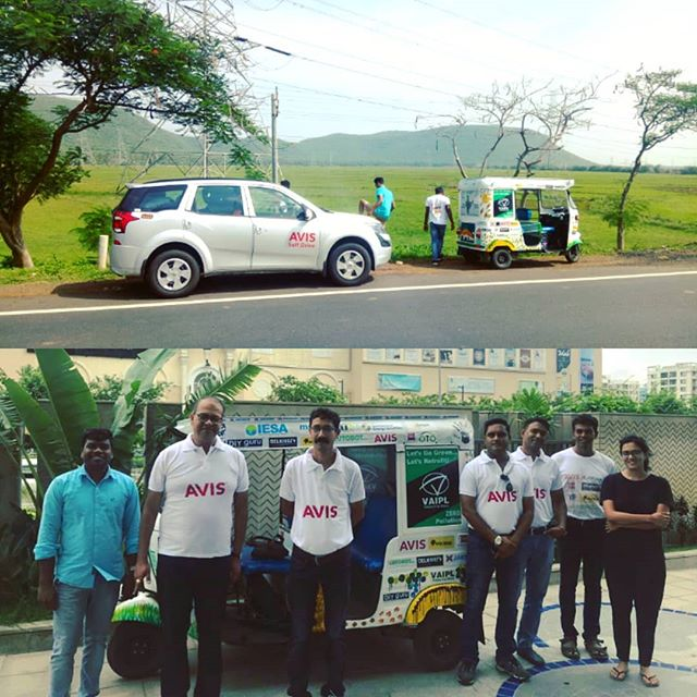 A highway pitstop enroute Kakinada, Andhra Pradesh during The SunPedal Ride - Golden Quadrilateral  @avisrentalindia support vehicle is instrumental in enabling battery swapping throughout the journey of 6000 kilometres to promote sustainable mobility #solar #sustainability #sustainable #electric #vehicle #ev #electricvehicle #mobility