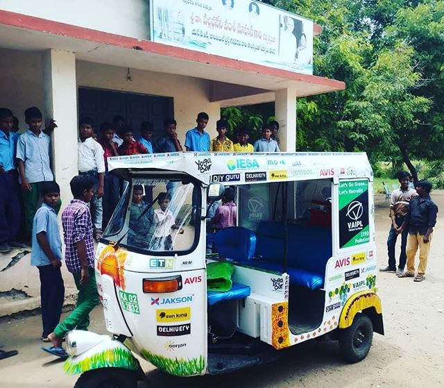 Students from the ZPHS, Nidamanuru get an opportunity to learn about the performance of the solar electric vehicle.  @avisrentalindia is supporting the sustainable mobility initiative - The SunPedal Ride #thesunpedalride #solar #electric #vehicle #awareness #outreach #vijayawada #andhrapradesh
