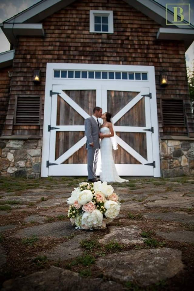 wedding boat house.jpg