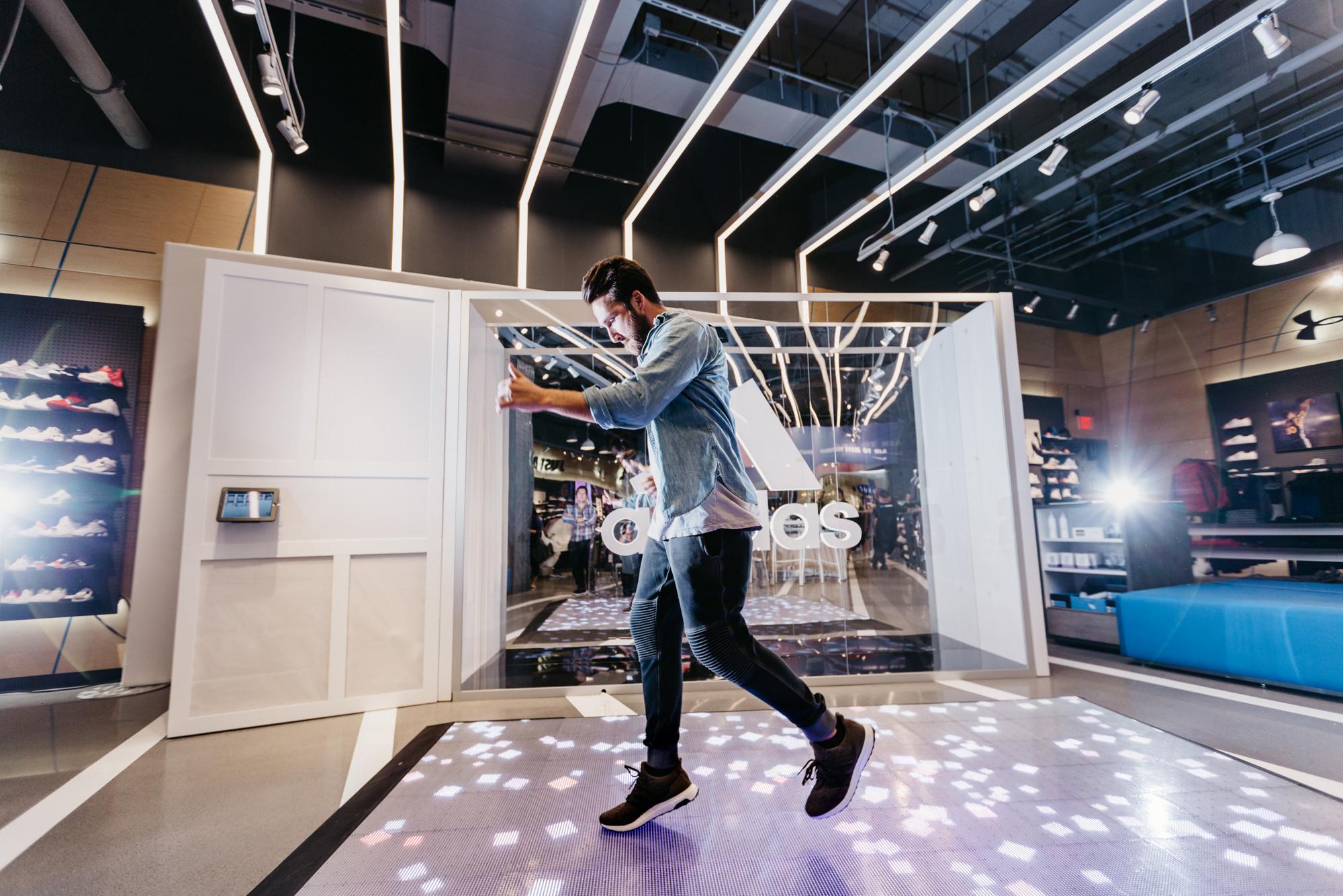 showcase-adidas-people3.jpg