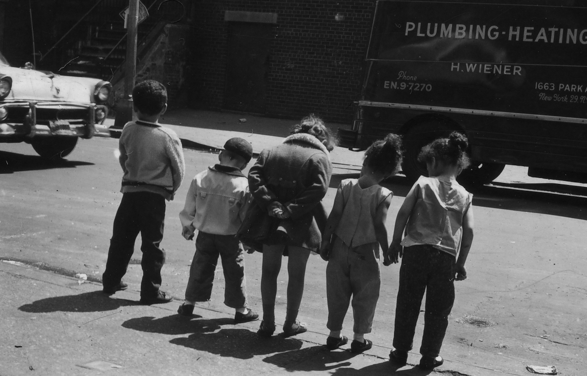Untitled (row of children on curb), 1963