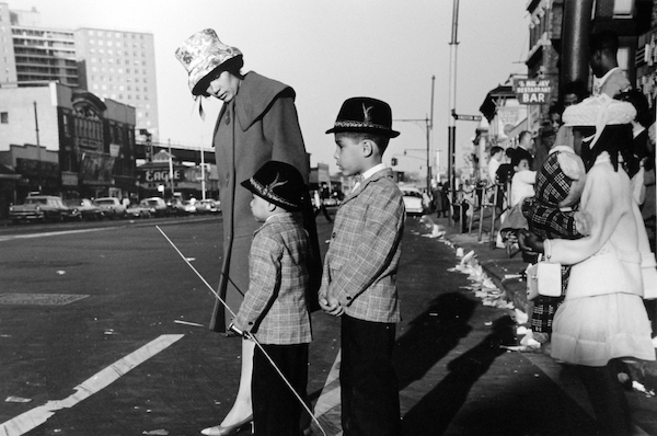 Untitled (mother and children crossing street, Coney Island), 1962