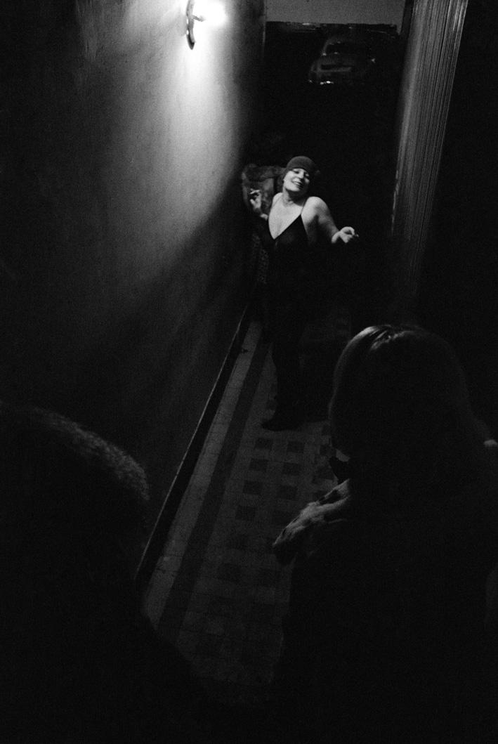 12. Rue des Lombards (Blondine danse dans le couloir), 1976-1977