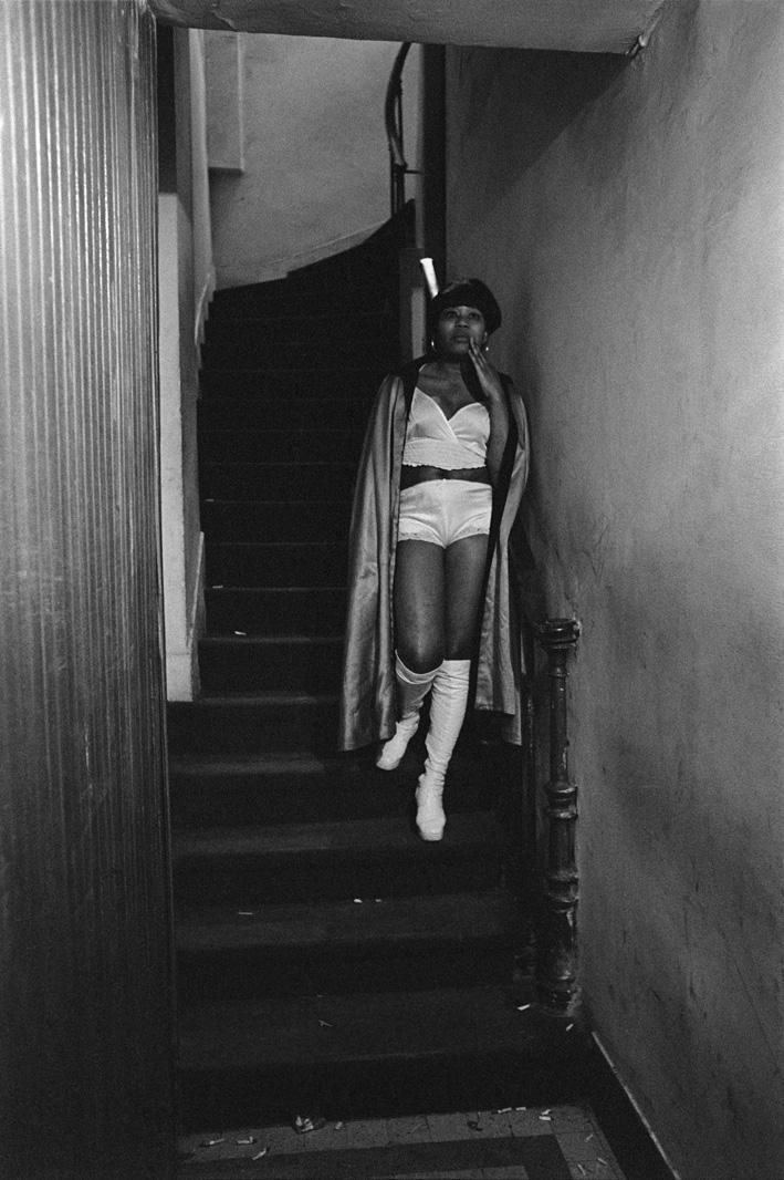 14. Rue des Lombards (Togo dans l'escalier), 1976-1977