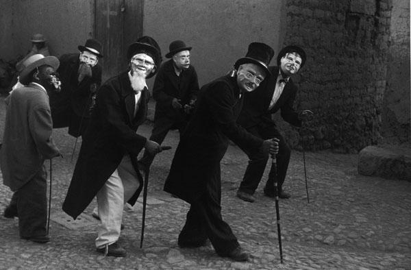 Juli, festival dancers, 1956 L p41.jpg