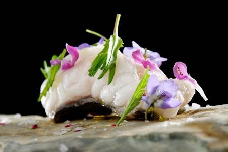 56630735-tarbot-vis-sashimi-haute-cuisine.jpg