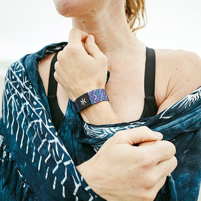 Less technology, more wearable. Unlock a new way to interface with helpful information when you need it most. New styles available now! #wearlifekey ... ... ... 📷 @peterlobozzo #wearabletechnology #wearables #wearabletech