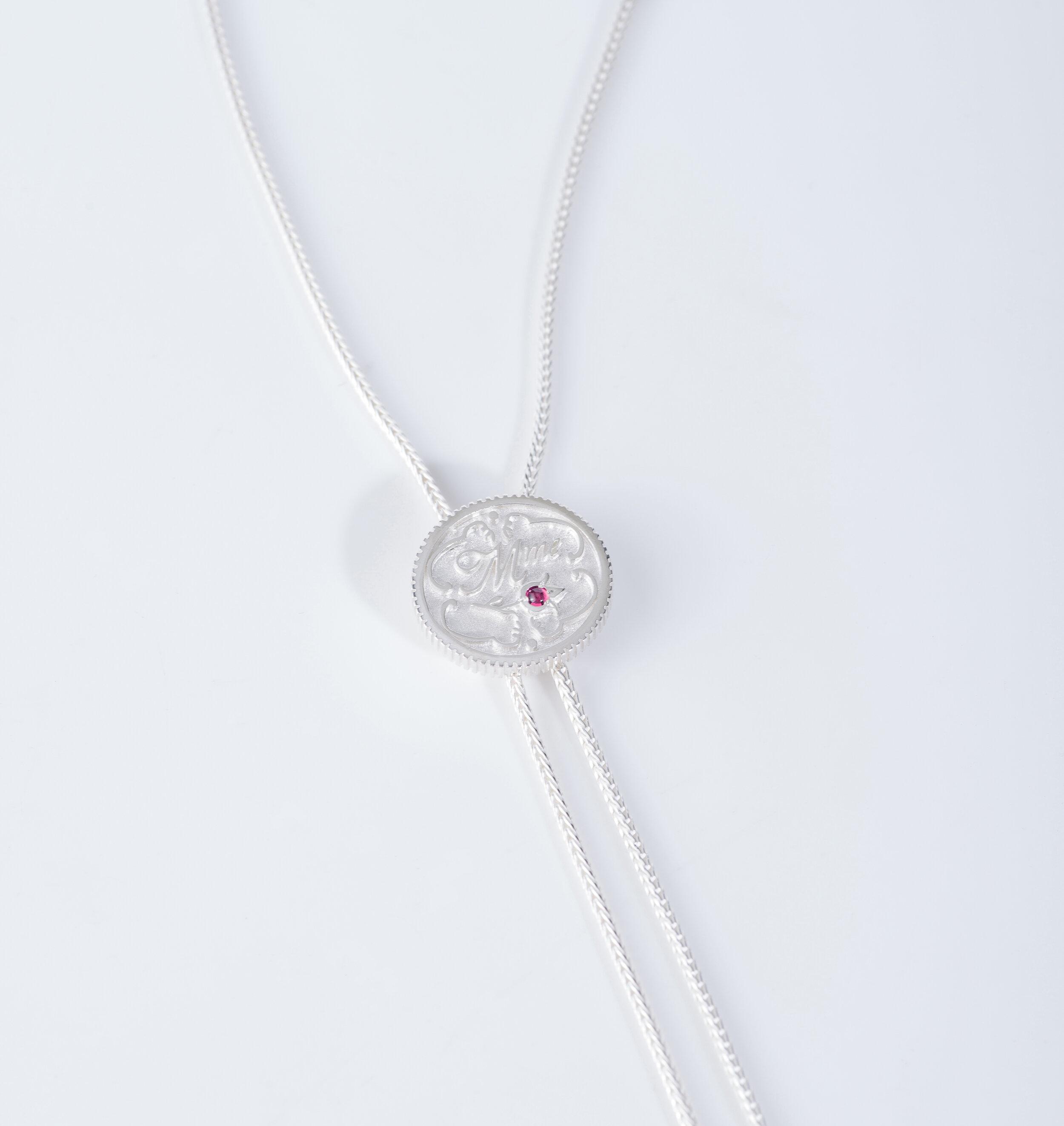 /'Madame Pink/' pendant